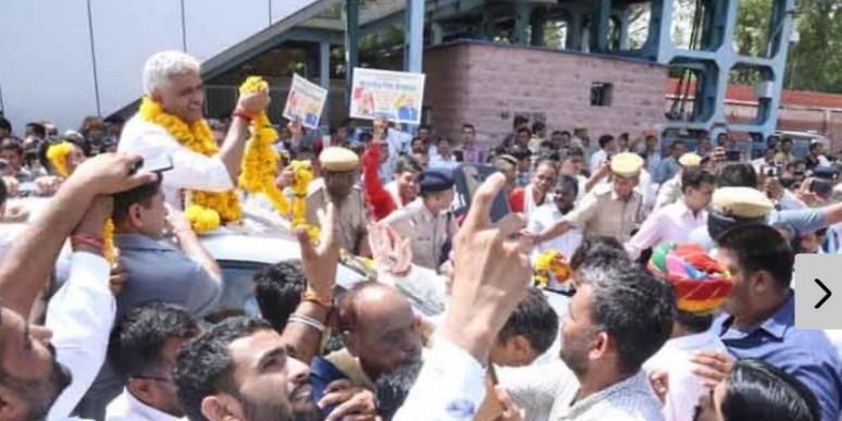 जल शक्ति मंत्री बनने के बाद पहली बार जोधपुर पहुंचे शेखावत के स्वागत को उमड़े लोग