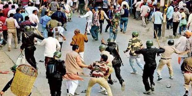 बंद के दौरान बैरकपुर में BJP-TMC कार्यकर्ताओं में झड़प, 25 घायल