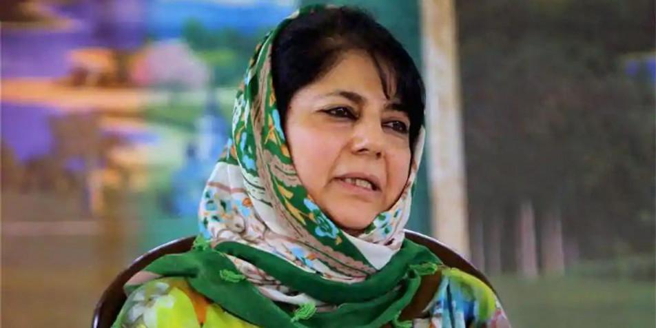 कश्मीर में 'एक्शन' के बाद फारुक अब्दुल्ला से मिलने जा रही महबूबा की सुरक्षाकर्मियों से बहस