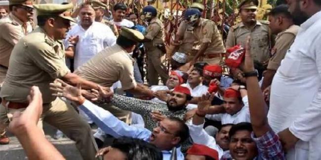 आजम पर एक्शन से भड़की सपा का शक्ति प्रदर्शन, रामपुर में सीमाएं सील, भारी पुलिस तैनात