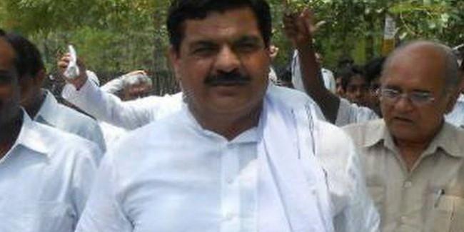 भाजपा में शामिल हो सकते हैं बसपा विधायक टेकचंद शर्मा, कार्यकर्ताओं को ज्वाईन करवाई पार्टी