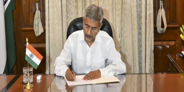बीजेपी के लिए खुशखबरी, गुजरात से दोनों राज्यसभा उम्मीदवार चुनाव जीते