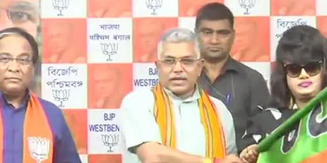"Bangladesh-Born Actor Joins BJP; ""International Party,"" Mocks Trinamool"