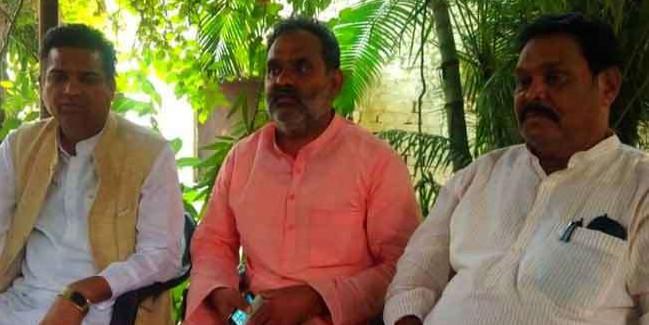 अपनी ही सरकार के फैसले के खिलाफ आए तीन भाजपा विधायक, जानिए वजह