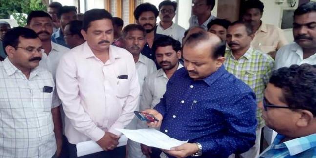 Contractors seek return of deposits from civic body