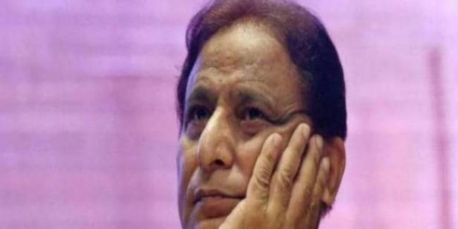 जमीन कब्जाने के मामले में सपा सांसद आजम खान पर एक और केस दर्ज