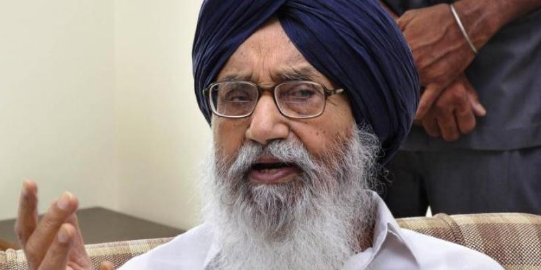 Parkash Singh Badal compares Rahul Gandhi to and 'insect' in front of 'elephant' PM Modi