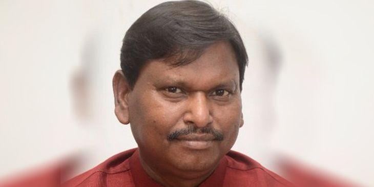 खूंटी : केंद्रीय मंत्री अर्जुन मुंडा ने क्षेत्र की जनता को दी करोड़ों की सौगात