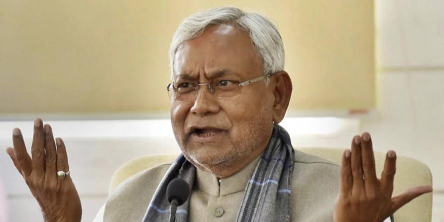 पूरे चुनाव सोशल मीडिया से दूर और सोसाइटी के बीच रहे नीतीश कुमार
