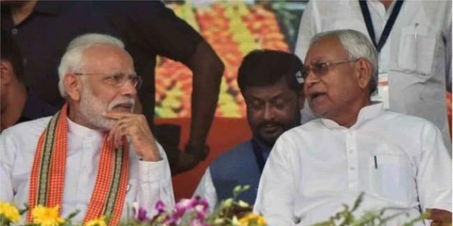 RSS पर नीतीश की 'टेढ़ी' नज़र से बिहार में टकराव