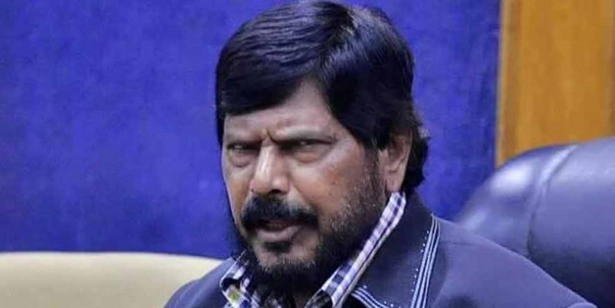 मोदी कैबिनेट के मंत्री की भविष्यवाणी, यूपी और महाराष्ट्र में घटेगी NDA की सीटें