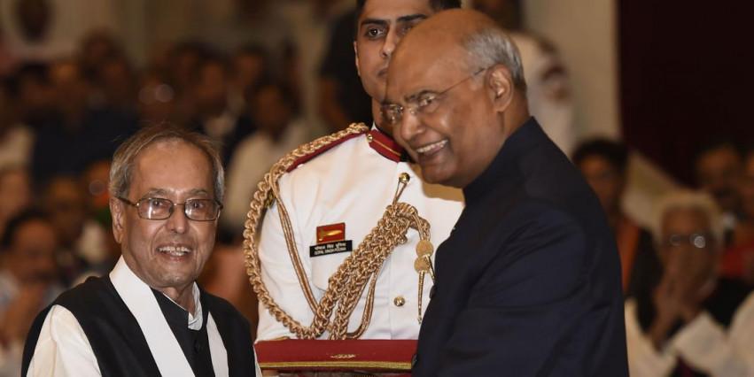 प्रणव मुखर्जी हुए  भारत रत्न सम्मान समारोह से गांधी परिवार ने बनाई दूरी
