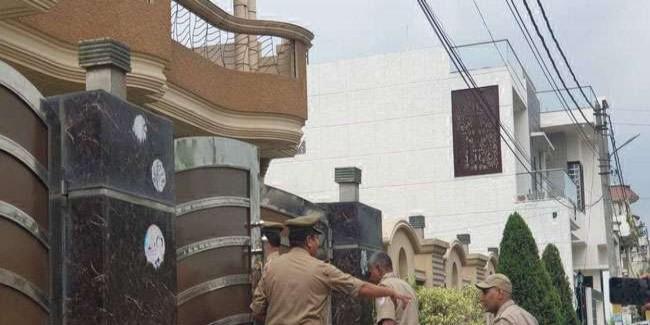 बसपा शासनकाल में हुए चीनी मिल घोटाले में दो पूर्व आइएएस समेत 14 ठिकानों पर सीबीआइ ने मारा छापा