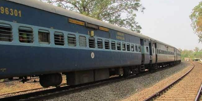 Two Maharashtra MLAs robbed in trains