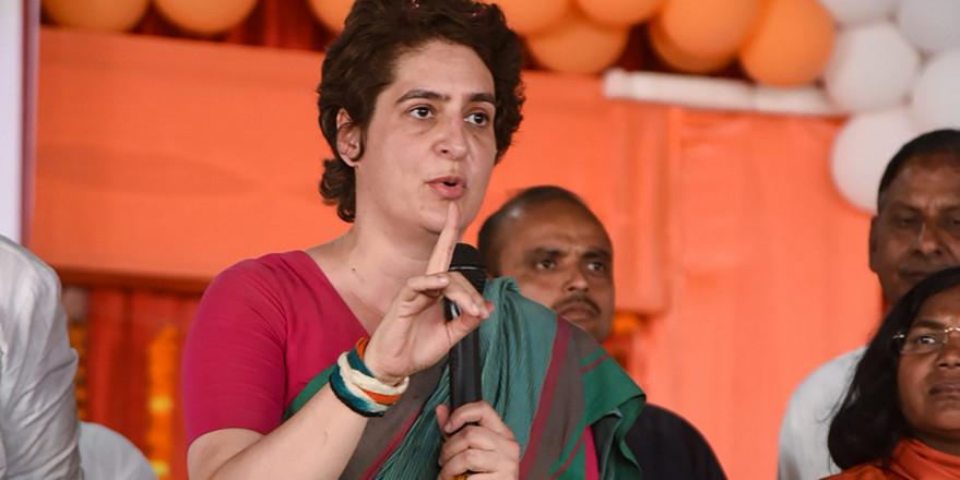 प्रियंका के आदेश पर उन्नाव रेप पीड़िता को न्याय दिलाने के लिए उपवास कर रहे कांग्रेसी