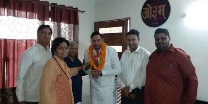 जेजेपी को बड़ा झटका, युवा जिलाध्यक्ष सोनू हरयोली ने दुष्यंत की पार्टी छोड़ थामा भाजपा का हाथ