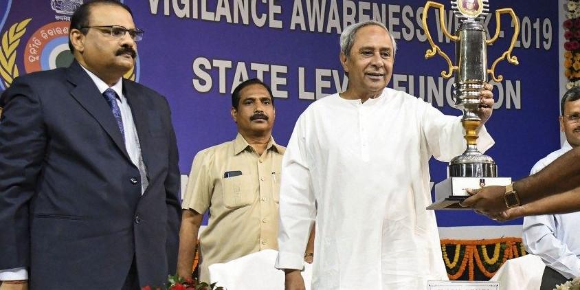 Naveen Patnaik Sacks Six Govt Officers for Corruption