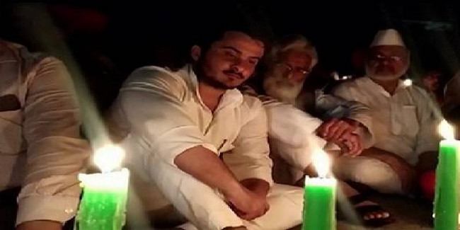 Azam Khan's son holds candlelight protest against own detention, police searches at Mohammad Ali Jauhar University in Rampur