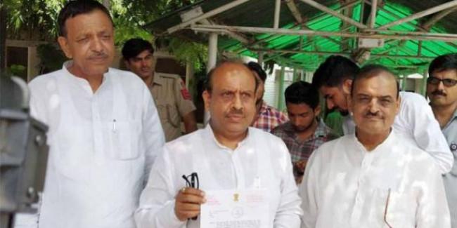 विजेंद्र गुप्ता ने केजरीवाल और सिसोदिया समेत 4 के खिलाफ पुलिस में शिकायत दी