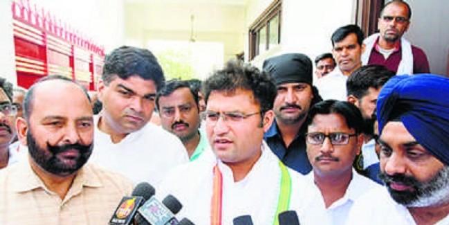 कांग्रेस करती है मुद्दों की राजनीति भाजपा भटकाती है : तंवर