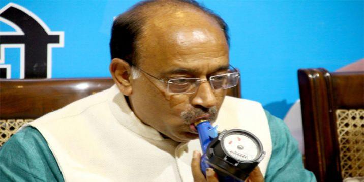 दिल्ली में पानी के बिलों की माफी केजरीवाल का चुनावी स्टंट: विजय गोयल