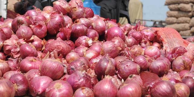 Maharashtra farmers take corporate route to keep onion prices steady