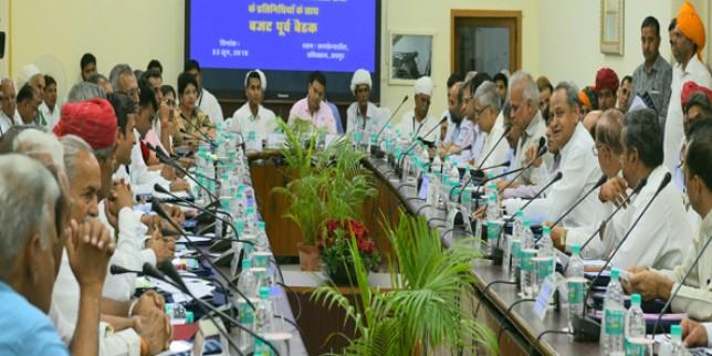 किसान और पशुपालक आर्थिक विकास की धुरी: मुख्यमंत्री