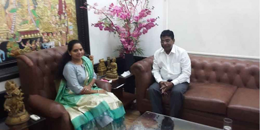 TRS floor leader in LS Nama Nageswara Rao calls on Kavitha
