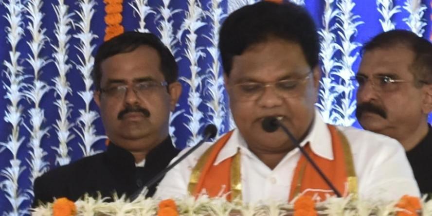 Maharashtra Minister Blames Crabs For Dam Breach That Killed 14