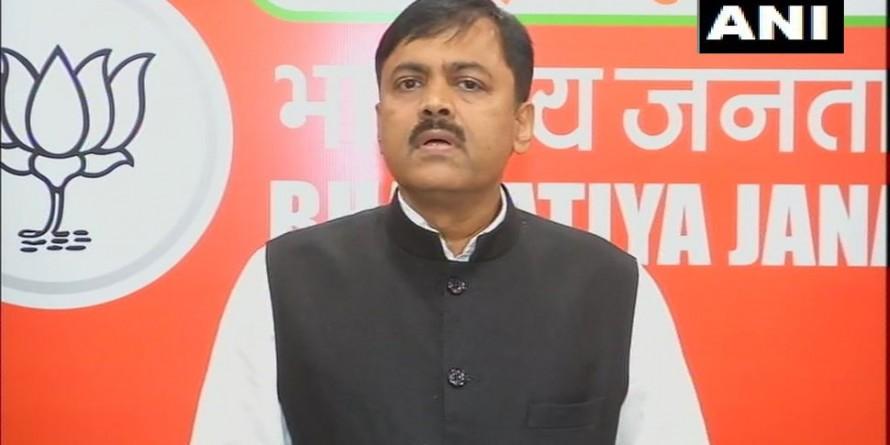 साध्वी प्रज्ञा के नाथूराम गोडसे पर दिए बयान से सहमत नहीं, माफी मांगें: BJP