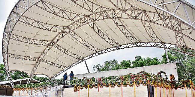 आजादी के जश्न में डूबा पूरा देश, मोरहाबादी मैदान में मुख्यमंत्री रघुवर दास फहरायेंगे तिरंगा