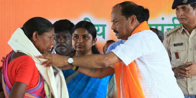गोड्डा में CM रघुवर का जन चौपाल, संथाल परगना में विकास कार्यों को नया आयाम देना प्राथमिकता