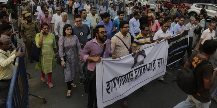 West Bengal doctors withdraw strike