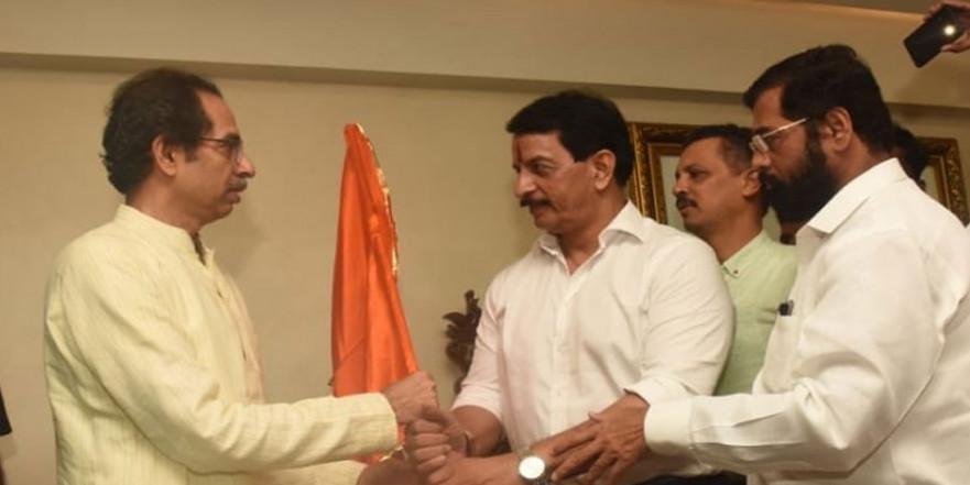 एनकाउंटर स्पेशलिस्ट प्रदीप शर्मा शिवसेना में शामिल, नालासोपारा सीट से लड़ सकते हैं चुनाव