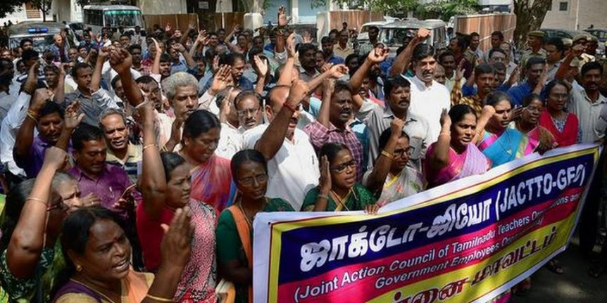 Govt. mulls withdrawing action against staff who went on strike