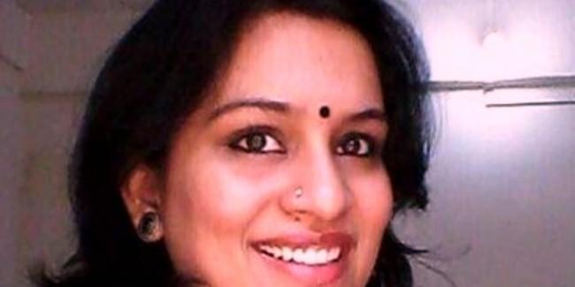 महिला IAS ने महात्मा गांधी के हत्यारे गोडसे को कहा- थैंक्यू, NCP ने की सस्पेंशन की मांग