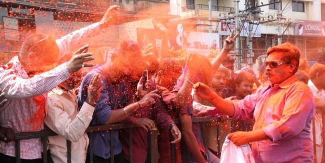 BJP paints Karnataka saffron