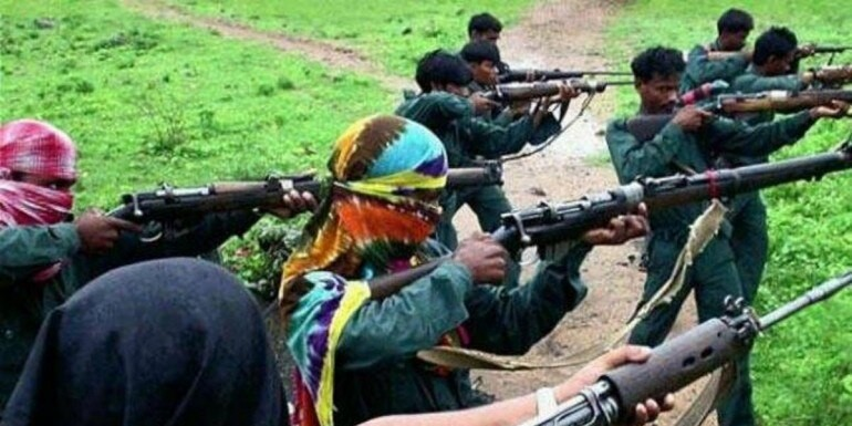 Jharkhand: Maoists set 16 vehicles ablaze, assault six labourers