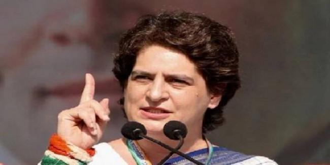 प्रियंका गांधी बोलीं- बेपनाह दर्द से लड़ रही है उन्नाव की बेटी
