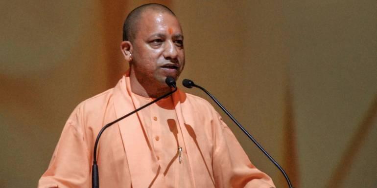 सीएम आवास पर लंच के लिए मौजूद भाजपा सांसदों को मुख्यमंत्री योगी ने किया संबोधित