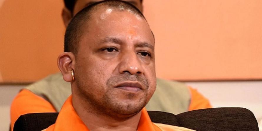 यूपी में 'लापरवाह' अधिकारियों पर गिर सकती है गाज, योगी सरकार लगातार ऐसे कर रही है मॉनिटरिंग