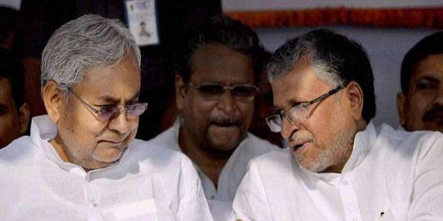 विधानसभा चुनाव में CM नीतीश के चेहरे पर सियासत, BJP में घमासान, तेजस्वी ने भी कसे तंज