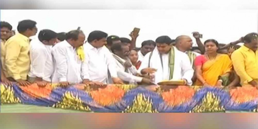 TDP leaders Jalaharathi to Pattiseema water