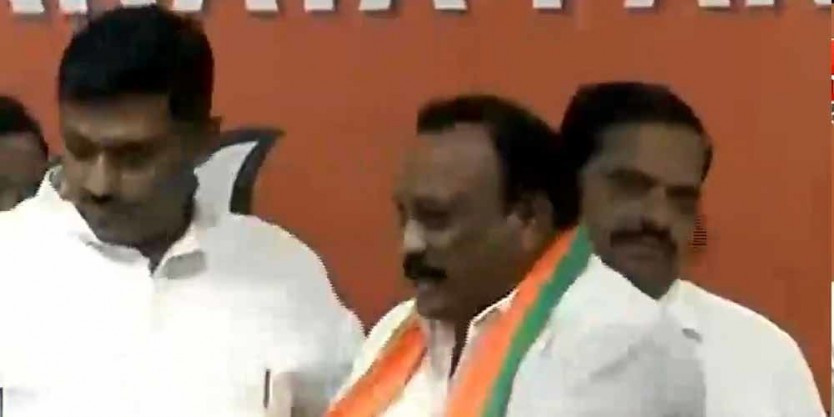 Telugu TDP and Congress leaders switch sides, leaders join BJP