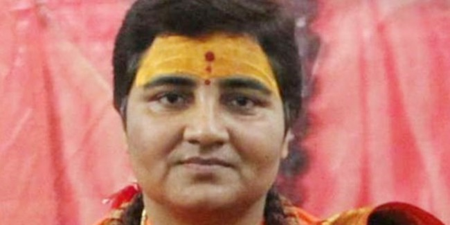 Sadhvi Pragya Singh को भाजपा का इशारा, 19 तक मौन रहो