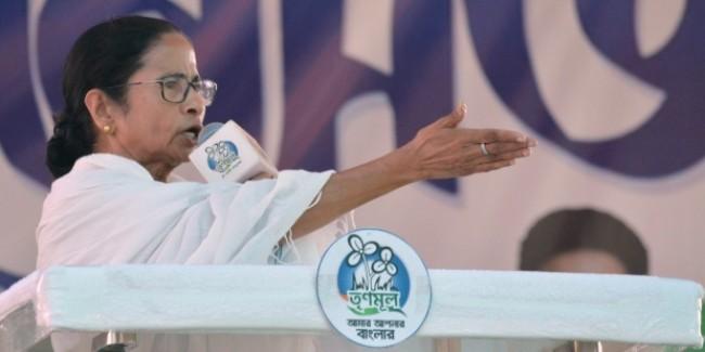 अमित शाह क्या भगवान हैं जो उनके खिलाफ कोई प्रदर्शन नहीं कर सकता: CM ममता बनर्जी