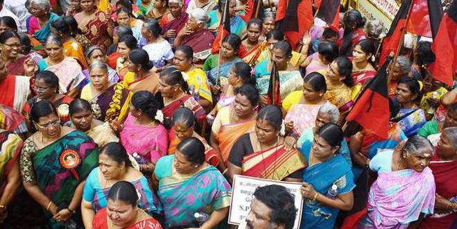 DMK stages demo to seek resignation of ministers