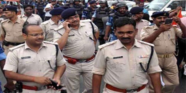 Jammu Kashmir Effects: केंद्र के एडवाइजरी पर झारखंड में अलर्ट, चौक-चौराहे पर मुस्तैद हुई पुलिस