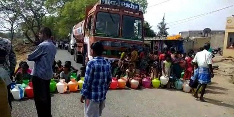 Villagers block highway as water shortage continues