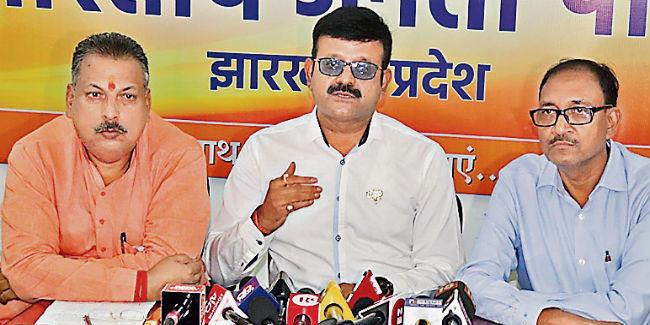 रांची : रवि केजरीवाल पर स्थिति साफ करें हेमंत : भाजपा
